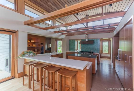 los vidrios como decoración en la cocina-comedor