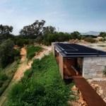 Casa aserradero en Australia que incorpora 270 bloques de concreto reciclado.