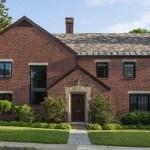 Casa Newton Tudor: Tradicional renovada y  contemporánea en Massachusetts