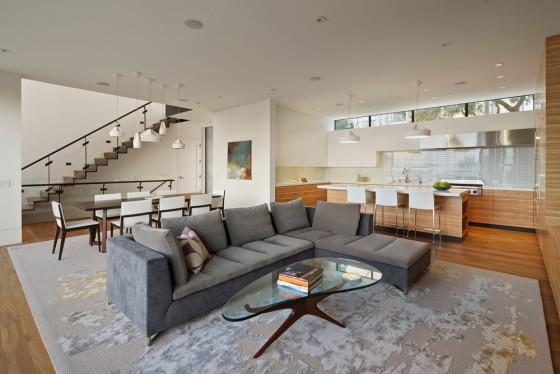 una sala de estar moderna