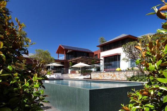 hermosa casa moderna con piscina