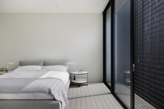 un dormitorio elegante y sencillo a la vez