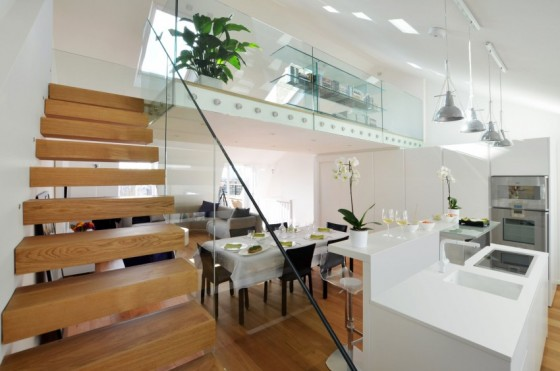 Escalera de madera con vidrio