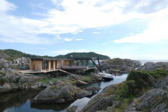 residencia moderna a la orilla